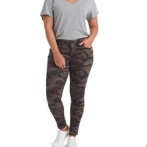 Democracy Absolution Camo Skinny Jeans Pants Basic